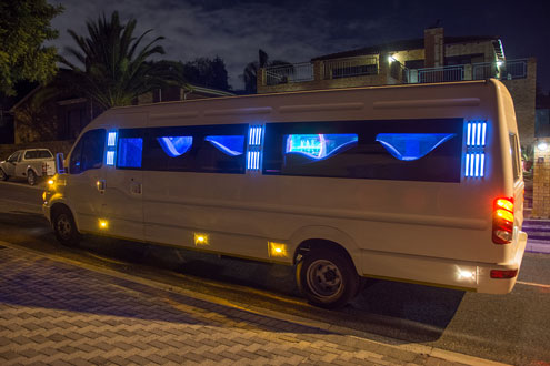 8 star Stretched party bus