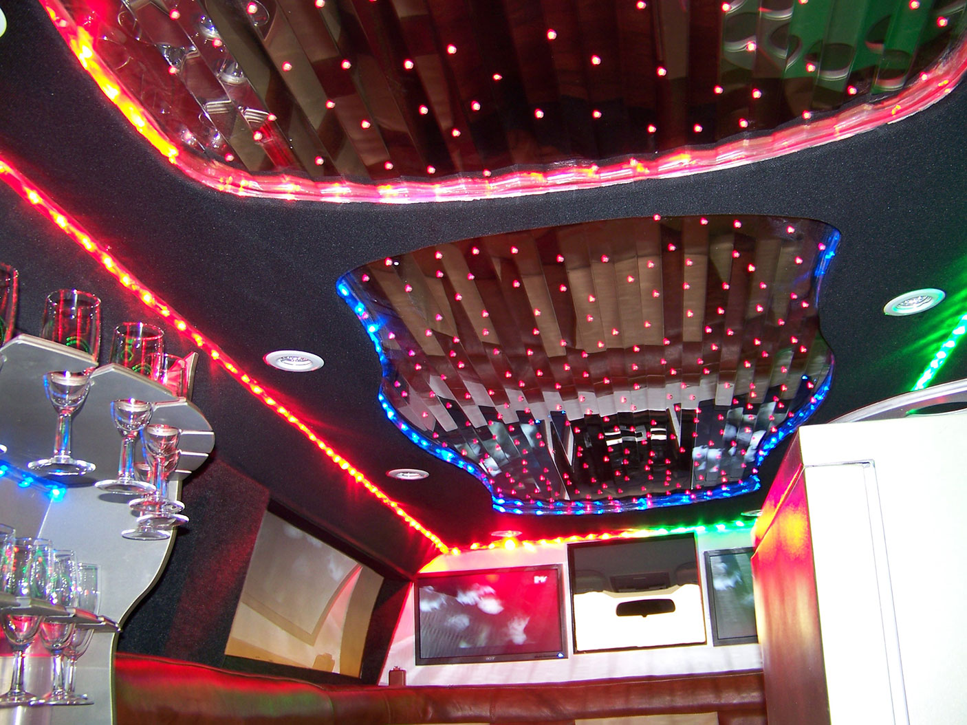 8 star Stretched Limousine inside display